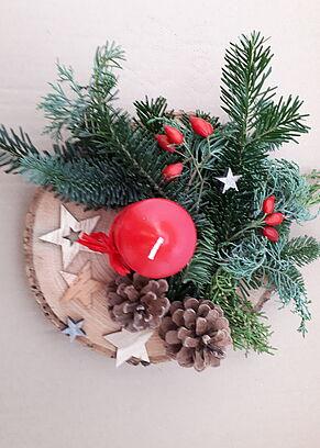 Weihnachtsgesteck mit Krene und Sternen